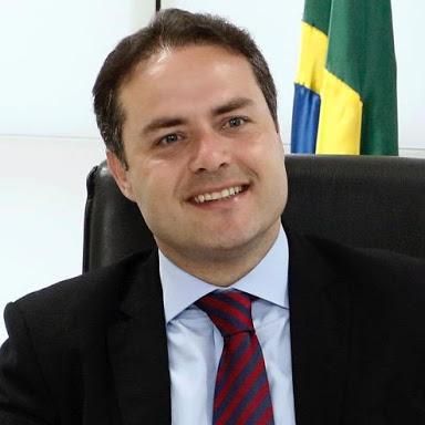 Governador Renan Filho anunciou rateio para os professores.