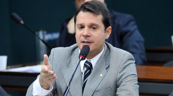 Senador Reguffe propõe reduzir mordomias dos Senadores