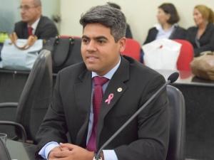 Carimbão Junior, nomeado secretário parlamentar.