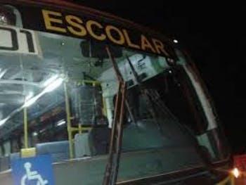 Ônibus com estudantes de União dos Palmares é assaltado a caminho da Serra da Barriga