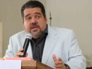 MPE pede afastamento de Gustavo Feijó por suspeita de fraudes em contratos
