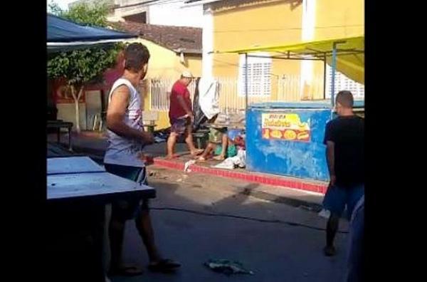 homem é morto a facadas na feira de União dos Palmares.Um marchante é suspeito.