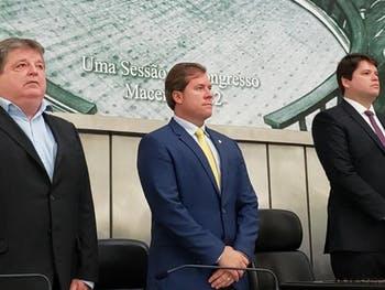 Marx Beltrão defende retomada imediata do fornecimento de colírio para o glaucoma