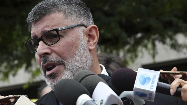 PSL expulsa deputado Alexandre Frota