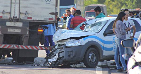 Laudo aponta que acidente envolvendo carro do SAAE foi causado por motociclista