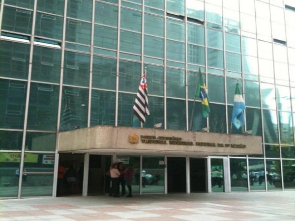 Procurador esfaqueia juíza na sede do TRF 3ª Região, na Avenida Paulista