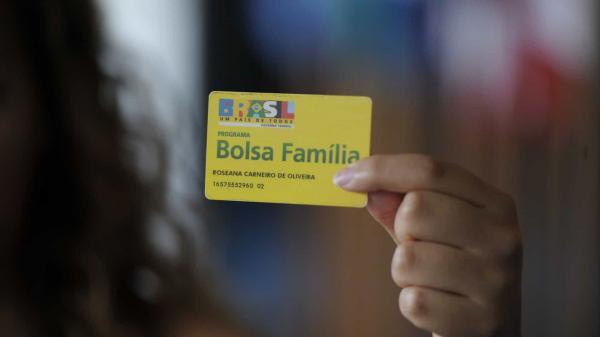 Bolsonaro confirma 13º para o Bolsa Família