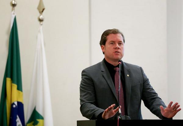 Marx Beltrão apresenta projeto contra aumento de combustíveis.