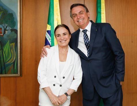 Regina Duarte aceita a Secretaria de Cultura