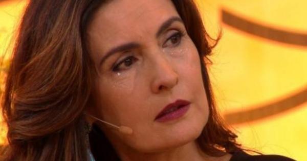Em crise histórica, de audiência, a Globo decide tirar programa de Fátima Bernardes do ar.
