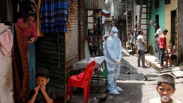 Transmissão do coronavírus volta a acelerar no Brasil