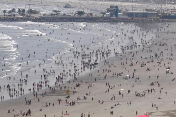Cinco pessoas morrem afogadas em domingo de praias lotadas em SP