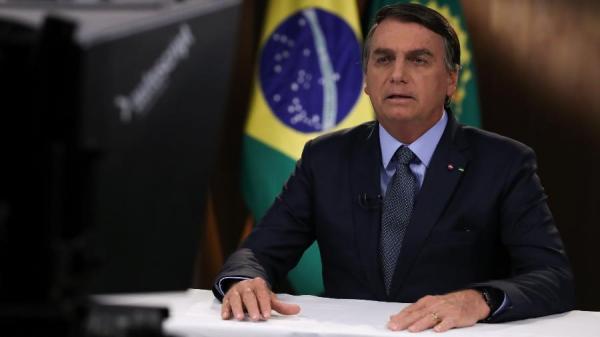 Bolsonaro mente na ONU ao atribuir queimadas a índios e caboclos.