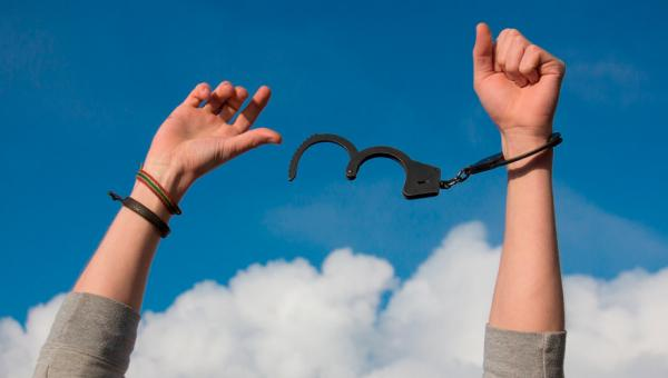 STJ autoriza soltura de todos os presos do país.