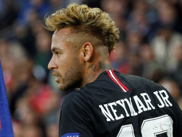 Receita Federal cobra R$ 69 mi de Neymar